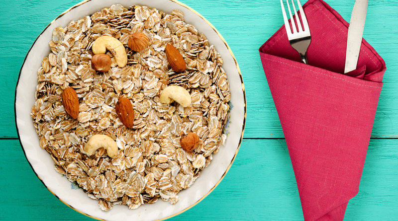 Oatmeal With Nuts © bigstockphoto.com / Vitalily73